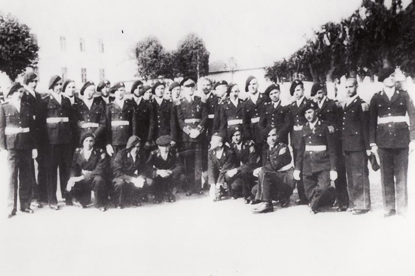 Băieți de liceu militar